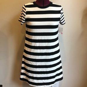 !!!NEW!!! Classic black and white striped dress